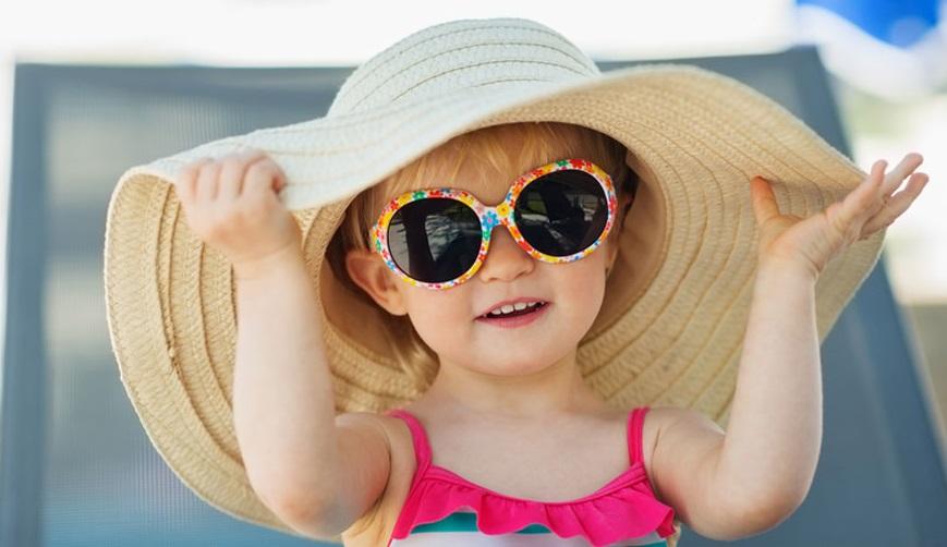Ηλιοπροστασία στα παιδιά.