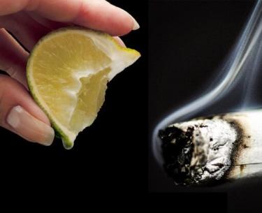 4 βιταμίνες που θεραπεύουν τους πνεύμονες μετά το κάπνισμα.