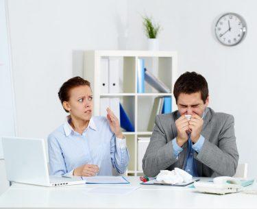 5 + 1 τρόποι να μην κολλήσεις το γρίπη στο γραφείο