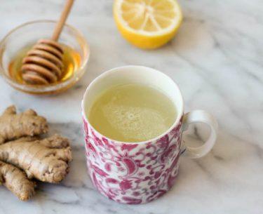 7 φυσικές θεραπείες που θα σας πάρουν μέσω της ψυχρής και της γρίπης σεζόν