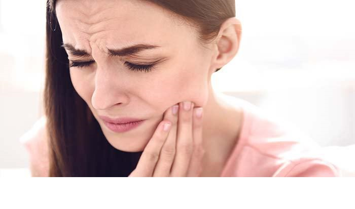 7 Reasons Your Teeth Hurt