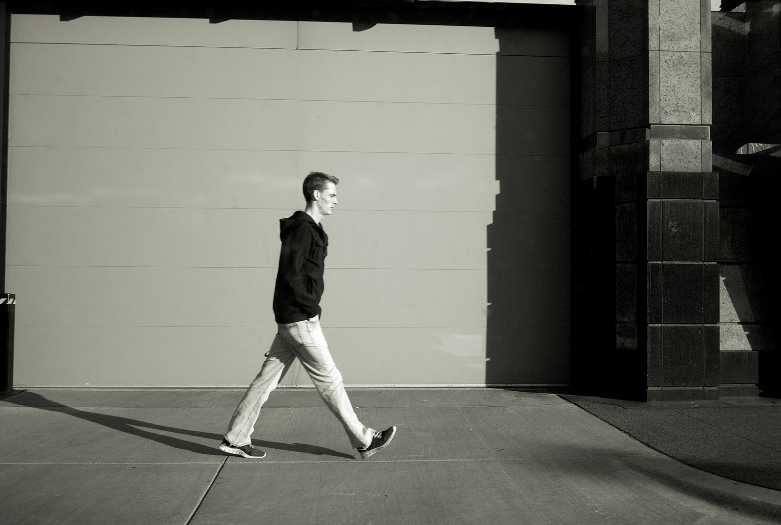 Walking style may indicate aggressive personality